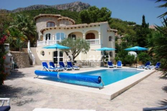 Lovely holiday home and stunning views over Calpe and the Mediterranean Sea.