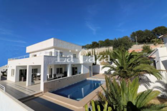 Modern detached house on the outskirts of Calpe