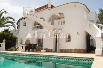 Villa with pool and sea views on the beautiful coast of Benissa
