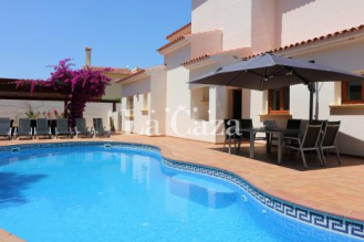 Spacious holiday home within walking distance of the centre and coast of Moraira.