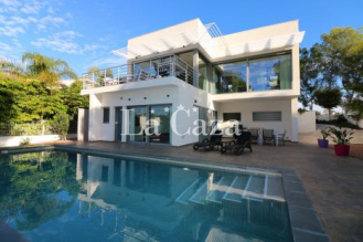 Modern villa with air conditioning and private pool.