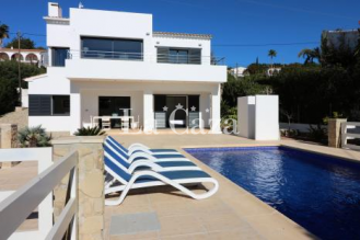 Luxury modern villa within walking distance of shops and the sea of Calpe